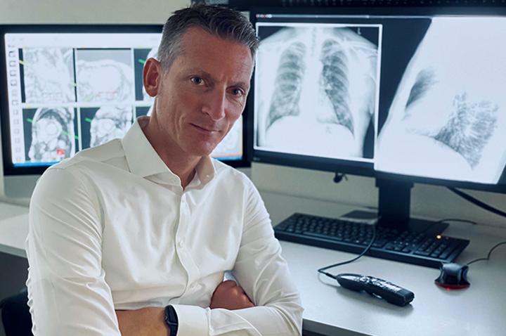 Dr. Henrik Michaely